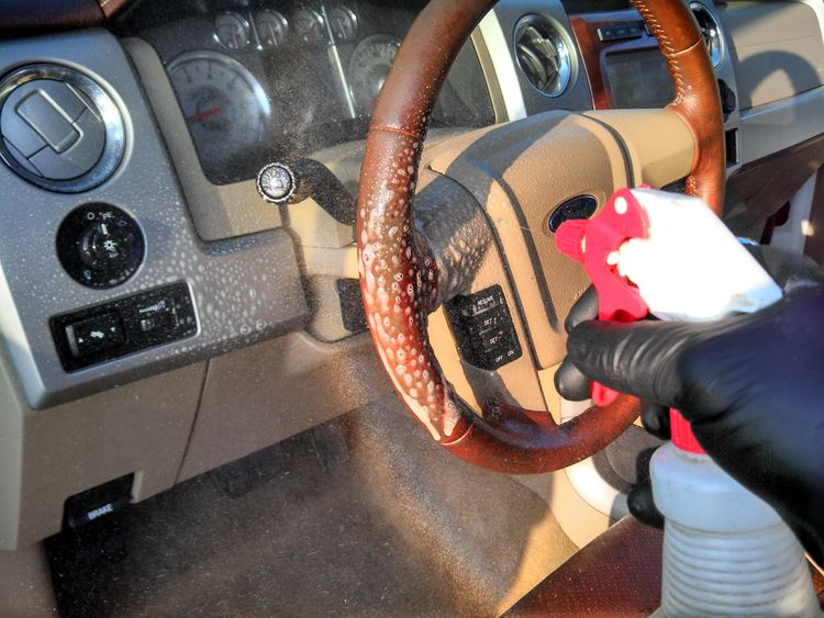 Cleaning a dirty steering wheel