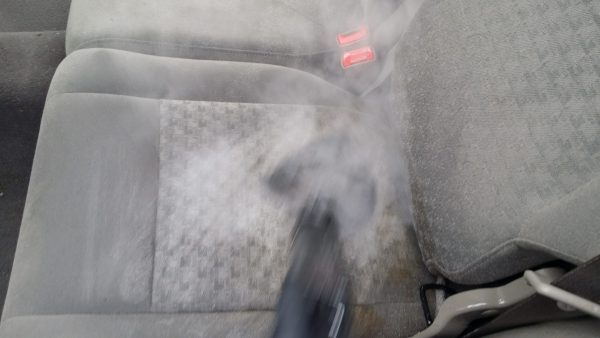 Steam cleaning upholstery seats